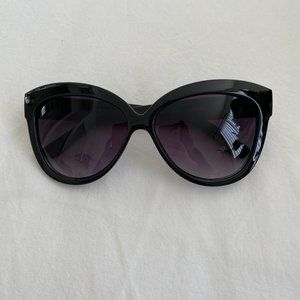 LF Women's Black Oversized Sunglasses